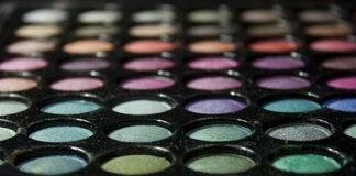 Jak wykonać naturalny makijaż